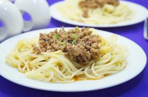 spagetti-s-farshem.jpg